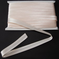 Bild 1 Schrägband Satin Creme gefälzt 15 mm breit