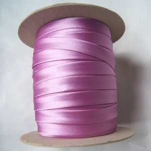 Bild 1 Schrägband Satin Lila gefälzt 13 mm breit