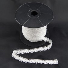 Bild 1 Klöppelspitze Weiß 1,6 cm breit Nr. 28